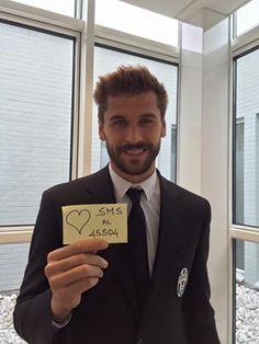 Seguite il consiglio del campione della Juventus Fernando Llorente (oficial): inviate un sms al 45504 per salvare i bambini cardiopatici e invitando gli amici a fare altrettanto con #Appiccicami. Grazie Fernando per il tuo aiuto e a quanti, grazie al tuo appello, hanno già contribuito!