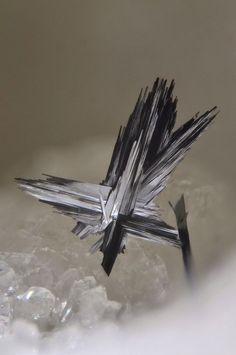 Lengenbachite - crea-stones.com