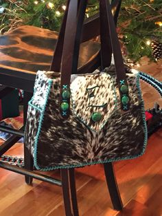 Change the initial for your brand! A Bonnie Bag with the owner's initial in turquoise suede. From gowestdesigns. Fringe Handbags, Tote Handbags, Purses And Handbags, Leather Purses, Leather Handbags, Leather Bag, Cowhide Purse, Cowhide Leather, Cowgirl Chic