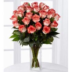 Florero con 24 rosas importadas bicolor Glass Vase, Floral Wreath, Wreaths, Garden, Home Decor, Praha, Bud Vases, Roses, Flower Crowns