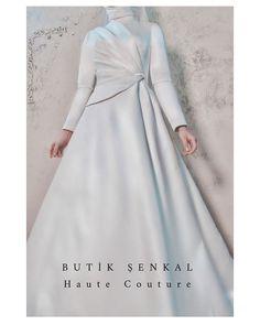 Formal Dresses, Wedding Dresses, Instagram, Fashion, Haute Couture, Dresses For Formal, Bride Dresses, Moda, Bridal Gowns