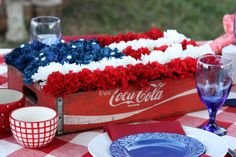 Great idea for a table decoration for Memorial Day and Fourth of July Fourth Of July Decor, 4th Of July Decorations, 4th Of July Party, July 4th, Holiday Decorations, Holiday Ideas, Seasonal Decor, Holiday Crafts, Christmas Ideas