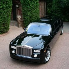 10 of the Most Expensive Limos in the World! Find out why the $3.8 million Rolls Royce Phantom Limo is worth so much!