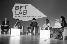En el foro de la BFT Lab (Bilbao Fashion Tech Lab), Bilbao Ekintza, Espacio Open, Paola Guimerans, colaboradores como la Universidad del País Vasco o la diseñadora Mercedes de Miguel.