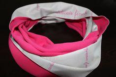 Hey, j'ai trouvé ce super article sur Etsy, chez https://www.etsy.com/fr/listing/209433162/neon-rose-foulard-echarpe-de-satin-gris
