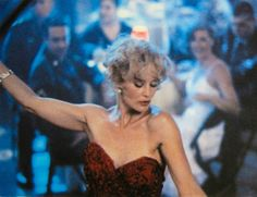 She loves a captive audience - especially men who desire her. That's where she really can 'let go' and be free. Mesmerizing Jessica Lange in BLUE SKY. Star Pictures, Pretty Pictures, Blue Sky Movie, Amazing Women, Beautiful Women, King Kong, Celebs, Celebrities, American Horror Story