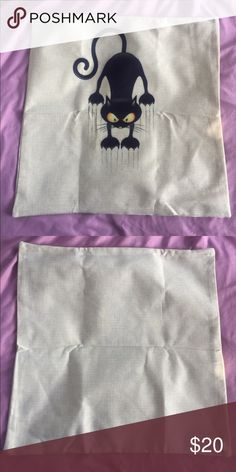 😺New list! 😺 Cat scratch pillow case! This pillow cover is a great addition to your home's style! A pillow to go inside does not come with this listing and fits a pillow that is 18x18 inches. There is a zipper on the side to insert pillow. Accessories