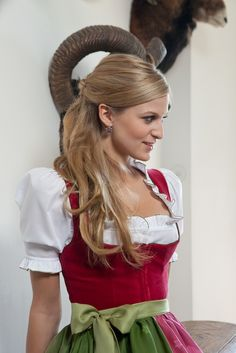 Sexy dirndl...never had one in this shade of red!
