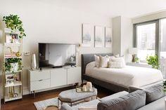 Studio Apartment Furniture, Studio Apartment Living, Tiny Studio Apartments, One Room Apartment, Studio Apartment Layout, Small Apartment Design, Studio Apartment Decorating, Studio Living, Apartment Ideas