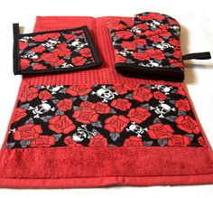Skulls & Roses Red Kitchen Set Oven Mitt Pot Holder Towel by Pornoromantic