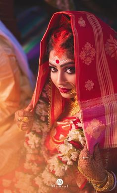 "Photo from The Moment Exposure ""Wedding photography"" album Bengali Bride, Bengali Wedding, Bengali Bridal Makeup, Indian Bridal, Wedding Makeover, Indian Wedding Photography Poses, Saree Gown, Indian Wedding Outfits, Pre Wedding Photoshoot"