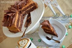 Reteta culinara Tort caramel cu fundite de ciocolata din categoria Torturi. Cu specific romanesc.. Cum sa faci Tort caramel cu fundite de ciocolata Creme Caramel, Tiramisu, French Toast, Sweets, Cooking, Breakfast, Ethnic Recipes, Food, Cakes
