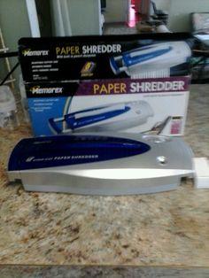 1 MEMOREX 5 page Strip Cut Paper Shredder Built in Pencil Sharpener