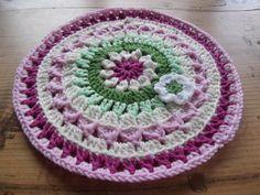 Mandala for Yarndale 2014, Flowerhouse