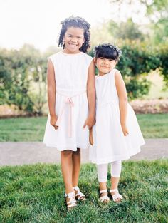 The sweetest flower girl duo: http://www.stylemepretty.com/oregon-weddings/medford-oregon/2015/11/06/romantic-southern-oregon-orchard-wedding/ | Photography: Olivia Leigh - http://www.olivialeighphotoart.com/