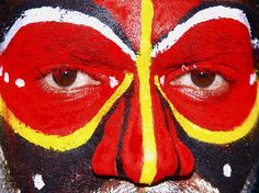 Painted beauty at Mount Hagen, Papua New Guinea.  Photo by Per Lidvall  www.AspectusForma.com