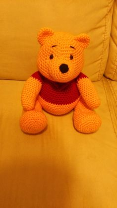 Amigurumi Winnie the Pooh – FREE Crochet Pattern / Tutorial it's in Spanish but … – Amigurumi Free Pattern İdeas. Crochet Amigurumi Free Patterns, Knit Or Crochet, Cute Crochet, Crochet Crafts, Crochet Dolls, Crochet Projects, Crochet Teddy Bear Pattern Free, Crotchet, Crochet Disney