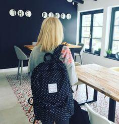 Material Poliester 300D   Dimensiune 45x33x18 cm   Greutate 560 g   Culoare Negru   Garantie 60 zile Cool Backpacks, Backpacking, Zip Ups, Cool Stuff, Bags, Fashion, Handbags, Moda, Backpacker