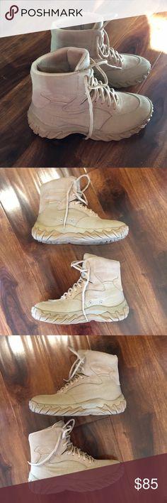 Oakly SI Assault boots desert Oakly SI Assault boots in desert. Men s size  7. 0844c84dad