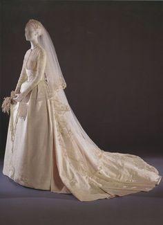 Decor To Adore: Royal Wedding Wednesday~ The Wedding of Prince Rainier and Grace Kelly