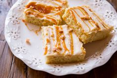 Hij is creamy, zout, zoet en crunchy. Heaven on earth, deze zoute karamelcake moet je vanavond echt uitproberen. You're welcome ladies!