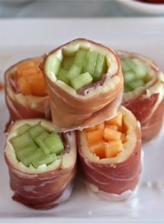 Prosciutto, Brie and Melon Sushi Rolls | The Hopeless Housewife