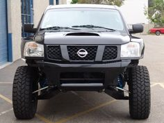 Nissan PreRunner set up.