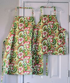 Apron tutorial with adjustable single strap.