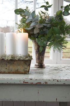 White candles & eucalyptus- Sweet childhood memories of my mom :) Lantliv i Norregård