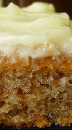 Banana Sheet Cake with Cream Cheese Frosting - made April 2015 from Simply Recipes After my last two baking debacles ( Snickerdoodl. Brownie Desserts, Mini Desserts, Just Desserts, Delicious Desserts, Dessert Recipes, Yummy Food, Frosting Recipes, Coconut Dessert, Oreo Dessert