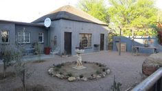 CALVINIA: Questhouse. Peace Full, 8Bed / 5Bath + Funiture, Lots of Parking Space,Northern Cape