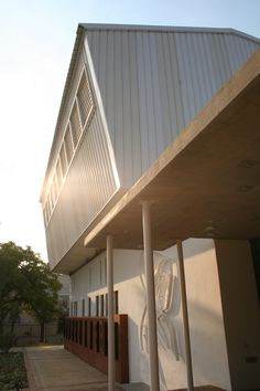 mathews and associates architects School Hall, Public Architecture, Pretoria, Old Things, Afrikaans, Contemporary, South Africa, Architects, Outdoor Decor