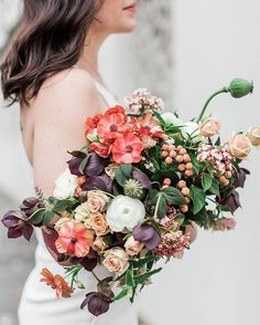 "4 Likes, 1 Comments - Ruffled ✨ Weddings + Inspo (@ruffledblog) on Instagram: ""We're crushing on this mix of unexpected blooms 