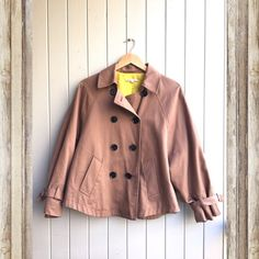 SALE Gap Dark Khaki Bell Trench A classic trench in dark khaki by Gap. Fully lined with a yellow interior. Size Medium. Bell/swing cut. GAP Jackets & Coats Trench Coats