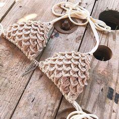 I'm just in love now with these crochet scales!!. . . . #mermaid #mermaidscales #crochetbeachwear #crochetersofinstagram #etsyseller #sun #summer #crochetproject #crochetpattern #bohemian #bohemianstyle #bohochic #hippiestyle #hippie #hippiegirl #peaceandlove #crochetbikini #bikini #bikinitop #beach #beachwear #etsy #bohojewelry #crochet #ganchillo #virkkaus #häkeln #orgulho #etsyshop #katiayarns