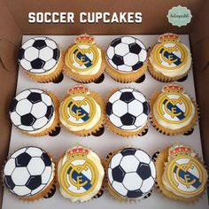 Cupcakes Real Madrid by Giovanna Carrillo Soccer Cupcakes, Soccer Birthday Cakes, Boys First Birthday Cake, Football Cookies, Fondant Cupcakes, Mini Cupcakes, Cupcake Cakes, Soccer Party, Cup Cakes