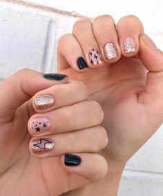 Diva Nails, Aycrlic Nails, Rose Nails, Fun Nails, Hair And Nails, Stylish Nails, Trendy Nails, Nail Tip Designs, Crystal Nails