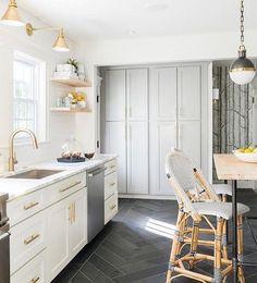 Lindo!! #designdeinteriores #luxury #arquitetura #deco #decor #house #home #design #interior #interiorDesign #architecture #decoration #homedecoration #modern #furniture #decoração #inspirações #instagood #instadecor #beautiful #picoftheday #instacool #homestyle #homedesign #cozy #confortable #archilovers #decorations #homedecor #cozinha