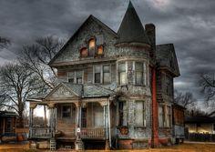 Resultado de imagen de scary house