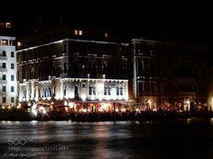 Bauer il Palazzo - VENEZIA - Pinned by Mak Khalaf giochi di luce City and Architecture LIGHTVENEZIABAUERPAOLO SQUIZZATO by Squizzato_Paolo