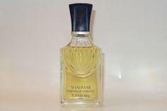 Photo © Domi Parfum Guerlain, Miniature Parfum, Perfume Bottles, Miniatures, Beauty, Flasks, Posters, Perfume Bottle, Beauty Illustration