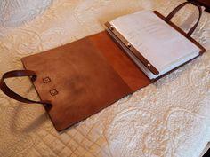 Leather Screw Post Binder for 8-1/2 x 11 von HeirloomLeather