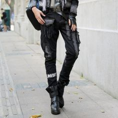 Moto Biker Femmes Punk Harem Pantalon Vintage Rétro Slim Fit Multi Poches  Trou Déchiré Lavé Femelle f82823b1124