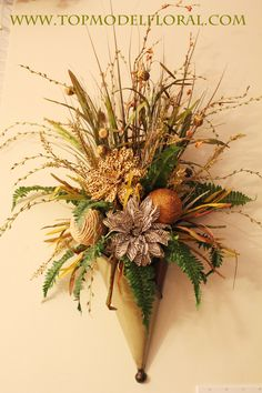 Unique Floral Arrangements By Rose Fisher Arte Floral, Floral Wall, Fall Flowers, Dried Flowers, Flowers Garden, Fall Floral Arrangements, Unusual Flowers, Wall Pockets, Fall Wreaths