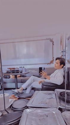 Jung Hoseok, Bts Aesthetic Wallpaper For Phone, Bts Wallpaper, Foto Bts, Bts Photo, Bts Bangtan Boy, Bts Jimin, J Hope Smile, Jhope Cute