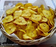 Kerala Banana Chips (Ethakka/Nenthrakka Upperi(ഏത്തക്ക/നേന്ത്രക്കാ ഉപ്പേരി) ) http://bit.ly/1lJMqPA #onamrecipes #raniskitchenmagic #keralarecipes #onam #kerala #recipes #foodblog