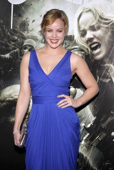 Scrumptious and Sexy Abbie Cornish . Her career began at the age of when she began taking jobs as a model after reaching the finals of a Dolly Magazine competition Abbie Cornish, Hollywood Actress Photos, Hollywood Heroines, Kim Cattrall, Oscar Dresses, Glamour Magazine, Blue Gown, Female Actresses, Classy Women