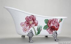 Google Image Result for http://blog.sndimg.com/hgtv/design/Briana/mosaic-bathtub.JPG