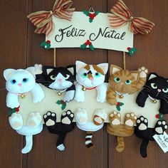Filz und Pappgirlande 5 Katzen in Christmas Globes, Christmas Craft Fair, Christmas Ornament Crafts, Christmas Sewing, Noel Christmas, Felt Crafts, Christmas Wreaths, Diy And Crafts, Christmas Crafts