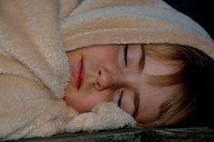 Estudo diz quantas horas de sono são recomendadas para cada estágio da vida  Um novo estudo da Fundação Nacional do Sono dos Estados Unidos revela quantas horas de sono são recomendadas para cada estágio da vida.